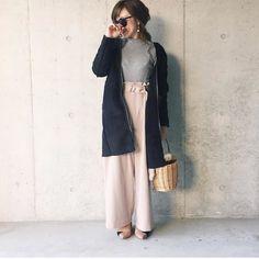 .  淡いピンクのウエストタックワイドパンツにグレーのトップスを合わせた大人綺麗めコーデ  Photo by @erika_n.c.r   Top... #uniqlo  Bottom... #apartbylowrys  Outer... #アパートバイローリーズ  Shoes... #zara   MINE公式アプリではファッションを中心とした動画を毎日更新中 プロフィールリンクからDLできます   ハッシュタグ#mineby3mootdを付けたコーディネートを募集中紹介させていただくことも  #mineby3mootd #MINEBY3M #ootd #outfit #fashion #coordinate  #instafashion #beaustagrammer #fashionista #outfit #igfashion #プチプラ #ユニジョ #コーディネート探検隊 #クリスマス #クリスマスコーデ #お洒落さんと繋がりたい