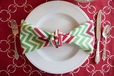 Holiday Tablescape   Hen House Linens