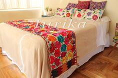 Pie de cama bordado mexicano. Modelo 2