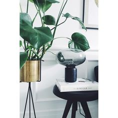 """""""Karl-Johan"""" tabel lamp by New Works 