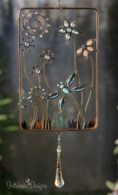 43 wire art sculptures ready to emphasize your space – Artofit Copper Wire Crafts, Copper Wire Art, Metal Crafts, Wire Wrapped Jewelry, Wire Jewelry, Diy Wind Chimes, Wire Weaving, Beads And Wire, Wire Work