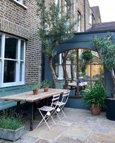 10 Ways to Transform Your Garden on a Budget — Melanie Jade Design