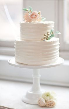 Wedding Cake Topper Ideas – Let's Get Creative! Once upon a time, probably when your parents and grandparents married, a plastic bride and groom with a tulle arch over them was pretty much the only wedding cake topper choice any one had. Pretty Cakes, Beautiful Cakes, Amazing Cakes, Simply Beautiful, Naked Cakes, Small Wedding Cakes, Cake Wedding, Wedding Shower Cakes, Wedding Cupcakes