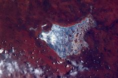 The Australian Outback is full of colourful geological structures, such as this salt lake, by ESA astronaut André Kuipers on the ISS.