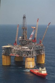 Shell Oil Co. platform, Mars, in the Gulf on May 6, 1998.