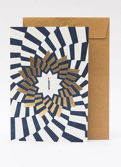 Papier Tigre - http://www.papiertigre.fr/le-grand-anniversaire-et-le-petit-bisou