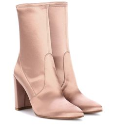 STUART WEITZMAN . #stuartweitzman #shoes #boots