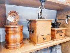 Vintage Coffee Grinder Vintage Coffee, Facebook Sign Up, Technology, Tech, Tecnologia, Vintage Cafe