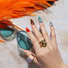 トレンドミックスでネオリゾートへ最旬モードなネイルアート Cute Pink Nails, Beauty Nails, Nail Designs, Hairstyle, Jewelry, Vogue Nails, Editor, Fingers, Fashion