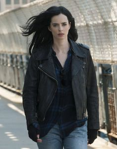 New trailer and posters for the Netflix and Marvel TV series JESSICA JONES starring Krysten Ritter, Mike Colter, David Tennant, Rachael Taylor and Carrie-Anne Moss. Jessica Jones Marvel, Jessica Jones Tv Show, Jessica Jones Season 2, Jessica Jones Netflix, Krysten Ritter, Luke Cage, Netflix Marvel Series, Serie Marvel, Heroes Netflix
