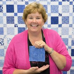 New Friday Tutorial: The Super Simple Squares Quilt Charm Pack Quilt Patterns, Charm Pack Quilts, Charm Quilt, Star Quilt Patterns, Jenny Doan Tutorials, Msqc Tutorials, Quilting Tutorials, Quilting Projects, Quilting Tips
