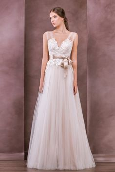 Beautiful A-line Straps Floor-length Tulle Fabric Vintage Wedding Dresses  with Appliques Style cfb20c41a35f