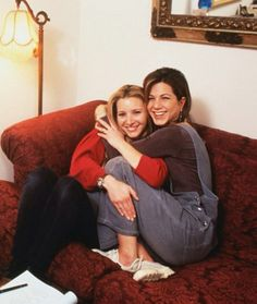 Lisa Kudrow and Jennifer Aniston on set.