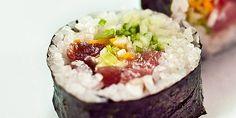 Γεύση   Sushi τρως: 7 μέρη για sushi-γνωσία στην Αθήνα Athens, Acai Bowl, Sushi, Eat, Breakfast, Islands, Greece, Restaurants, Food