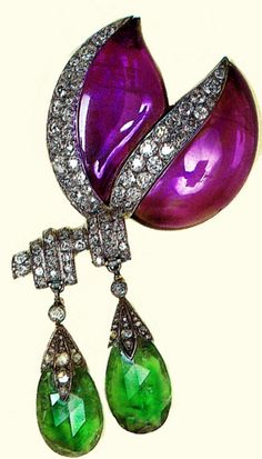 Dutchess of Windsor........... Brooch by Belperron with amethysts, diamonds, and emerald briolettes. The briolettes are detachable.