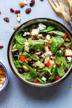 Apple Almond Feta Spinach Salad - Crunchy, sweet and easy to make, this healthy spinach salad is full of fresh flavors. - recipe by Spinach Feta Salad, Spinach Salad Recipes, Chicken Salad Recipes, Veg Recipes, Almond Recipes, Healthy Salad Recipes, Cooking Recipes, Cooking Ideas, Macaroni Salad