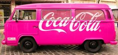 How not to love this pink vintage van! This is pinkamazing!