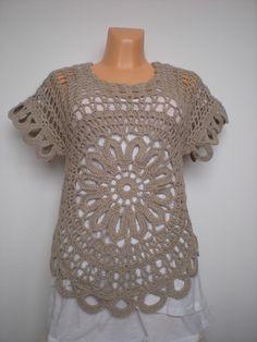 EmmHouse: Top with flower – written pattern Crochet Tunic, Crochet Clothes, Crochet Lace, Flower Crochet, Crochet Summer Tops, Crochet Shawls And Wraps, Crochet Woman, Crochet Fashion, Crochet Accessories