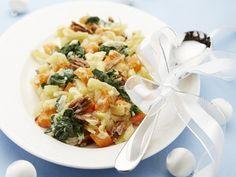 Jemný bramborový salát s dýní a špenátem