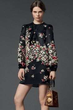 Small ditsy long sleeve loose dress_Dresses(d)_DESIGNER_Voguec Shop
