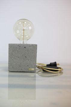 """Tischlampen - Dekorative Beton Lampe """"EDISON CUBE"""" - ein Designerstück von I_LIKE_BETON bei DaWanda"""