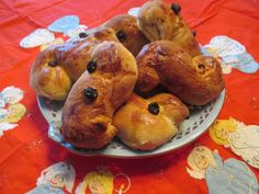 How to make St Lucia Saffron Buns -- Lussekatter - A Swedish Saint Lucia Bun Recipe