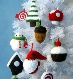 knitted decorations, homemade christmas decorations