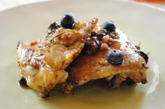 Pollo al forno con mirtilli neri e ribes bianco  http://www.facebook.com/note.php?note_id=274287012614312