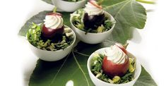 Granos de uvas rellenos con mousse de queso gorgonzola - #Recetas #Recetas, Tapas #Queso #Gorgonzola - http://es.gorgonzola.com/recetas/granos-de-uvas-rellenos-con-mousse-de-queso-gorgonzola/