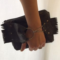 #frontgraspwristlet #luxefunction what a cute clutch! Order at luxefunction@gmail.com
