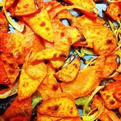 Chips de boniato e cebola ó forno #vegan #veganfood #veganfoodporn #veganfoodshare #plantbased #plantstrong #instafood #instafoodie #Padgram