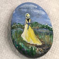 Lady in yellow #lady #girl #yellow #meadow #hat #belle #meadow #flowers #reflection #ssirocks #ssi_rocks