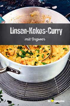 Linsen-Kokos-Curry Discover the variety that curries have to offer and prepare our recipe with red lentils, ginger, leeks, carrots, garlic and coconut milk Pasta Recipes, New Recipes, Crockpot Recipes, Vegetarian Recipes, Healthy Recipes, Vegetarian Curry, Kitchen Recipes, Chicken Recipes, Dinner Recipes