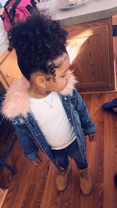 My beautiful sissy pooh Nareah🥰 Cute Mixed Babies, Cute Black Babies, Black Baby Girls, Beautiful Black Babies, Cute Baby Girl, Cute Babies, Beautiful Children, Cute Kids Fashion, Cute Outfits For Kids