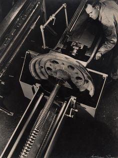 WOLFGANG SIEVERS (1913-2007), Machinist, c.1967 Albert Renger Patzsch, Margaret Bourke White, Lewis Hine, Urban Industrial, Industrial Photography, Science And Technology, Shops, Projects, Tools