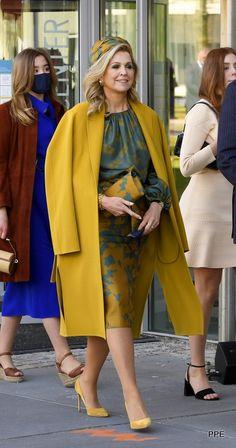 Posh Clothing, King Alexander, Denmark Fashion, Dutch Royalty, Casa Real, Gorgeous Heels, Queen Maxima, Royal Fashion, Dress Skirt