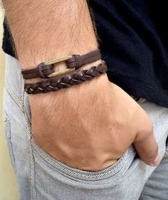 Copper jewelry has been around since the dawn of civilization. Discover the many health benefits of wearing copper jewelry for yourself. Braided Bracelets, Bracelets For Men, Fashion Bracelets, Cuff Bracelets, Fashion Jewelry, Women Jewelry, Male Jewelry, Bracelet Men, Leather Accessories