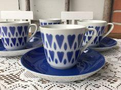 ARABIA SYDÄN KUVIOINEN RETRO KAHVIKUPPI 4KPL Coffee Cups, Tea Cups, Blue Hearts, I Love Heart, Lassi, Wooden Hearts, Live Long, Coffee Break, Scandinavian Style