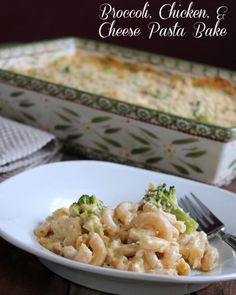 Broccoli, Chicken and Cheese Pasta Bake