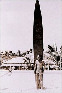 the Duke - fondateur du surf - Hawaii - Esprit surf retro Surf Vintage, Vintage Surfing, Vintage Hawaii, Vintage Tiki, Kitesurfing, Bikini Rouge, Vintage Surfboards, Stand Up Paddle, Longboarding