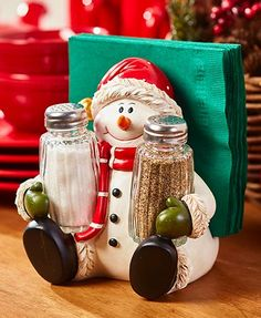This Holiday Salt/Pepper Napkin Holder provides cheerful company during your meals. The decorative holder lets you store your own napkins in the back and salt and pepper in the included shakers in front. Turkey, x x Santa, Christmas Snowman, Christmas Home, Christmas Holidays, Christmas Crafts, Christmas Decorations, Holiday Decor, Christmas Kitchen, Homemade Christmas, Biscuit