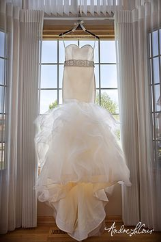 A beautiful wedding dress   Andre LaCour Photography