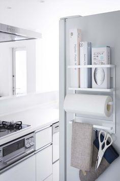 布巾だけじゃない!冷蔵庫の側面収納アイデア | iemo[イエモ]