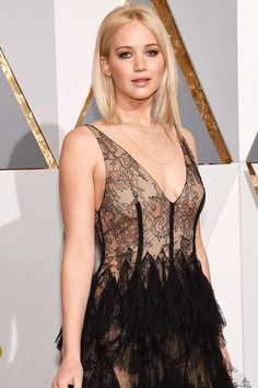 Jennifer Lawrence is a 26 years old American model and actress, who was born in of August, 1990 in California. Check out complete dating rumors and biography of Hollywood actress Jennifer Lawrence. Jennifer Lawrence Movies, Jennifer Lawrence Oscar, Jenifer Lawrence, Celebs, Celebrities, Classic Beauty, Cut And Color, Red Carpet, Celebrity Style