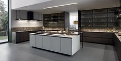 Lacquered kitchen with island with integrated handles ARTHENA by Varenna by Poliform design CR Furniture Handles, Kitchen Furniture, Kitchen Interior, White Kitchen Cabinets, Wooden Kitchen, Kitchen Dining, Kitchen White, Cocinas Kitchen, Studio Kitchen