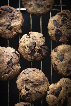 One Bowl Chocolate Chunk Cookies (Vegan + Whole Wheat + Sugar free)