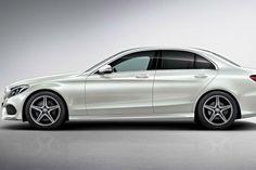 blogmotorzone: Mercedes Benz Clase C 450 Sport.  Mercedes Benz tenía a la Clase C en desventaja versus sus más inmediatos rivales, los Audi S4 con 333 CV  y el BMW 335 i con 306 CV.