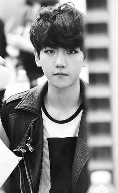 Baekhyun bw OMFG MY BIAS. Love him♡ #exo #baekhyun