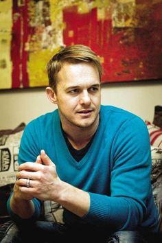 Heinz Winckler, die eerste Idols-wenner van Suid-Afrika Proud mother :) My Land, African History, Celebs, Celebrities, Music Songs, Cry, South Africa, Beautiful People, Idol