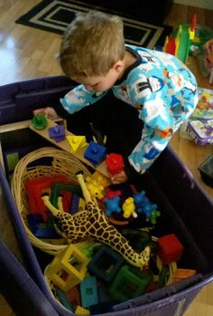 SAHM Montessori school - this lady has tons of great ideas for moms who stay at home